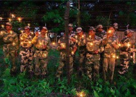 Soldiers celebrating Diwali.  Photo courtesy: blogbigtime.com